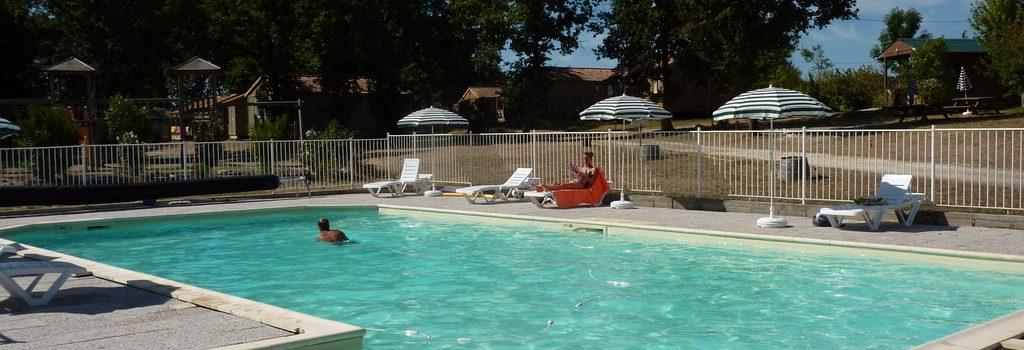 piscine- les chalets de dordogne